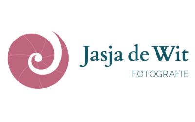Het logo van Jasja de Wit Fotografie